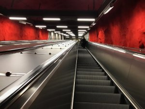iphone_subway.jpg